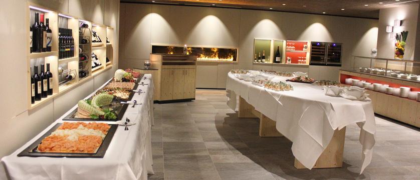 Restaurant_Ambiance2.JPG